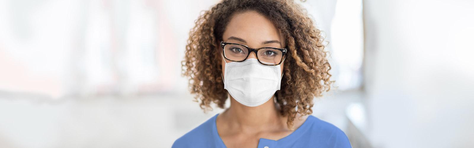 Nurse wearing a face mask